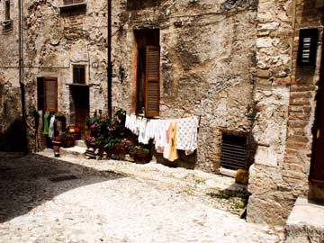 Laundry, Spoleto, Itay. By Sandy Lang, June 2011